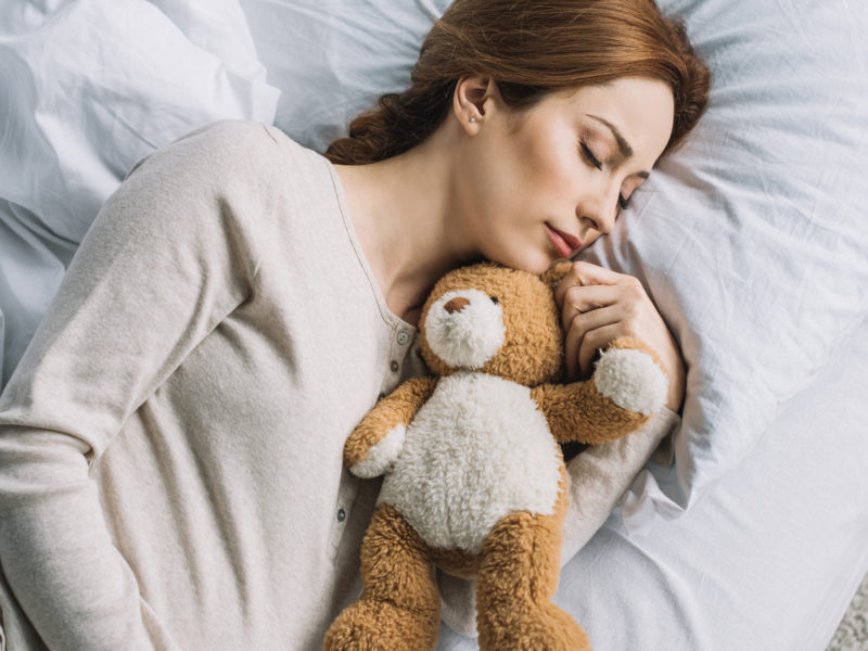 How Can I Sleep While Pregnant?